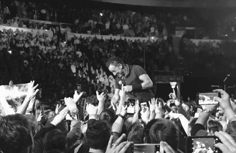 Back walkway Atlanta...lovin' on his fans.